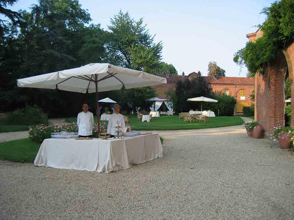 allestimento-buffet-in-giardino-bon ton pietrini