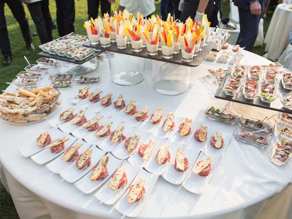 Buffet Catering presso il Castello di Mercenasco - catering per matrimoni e catering per eventi aziendali Bon Ton di Pietrini, Torino