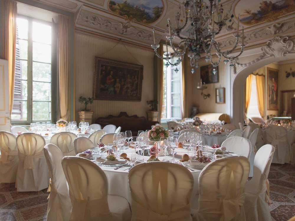 allestimento sala e mise en place, Catering Bon Ton presso il Castello di Mercenasco - catering per matrimoni e catering per eventi aziendali Bon Ton di Pietrini, Torino