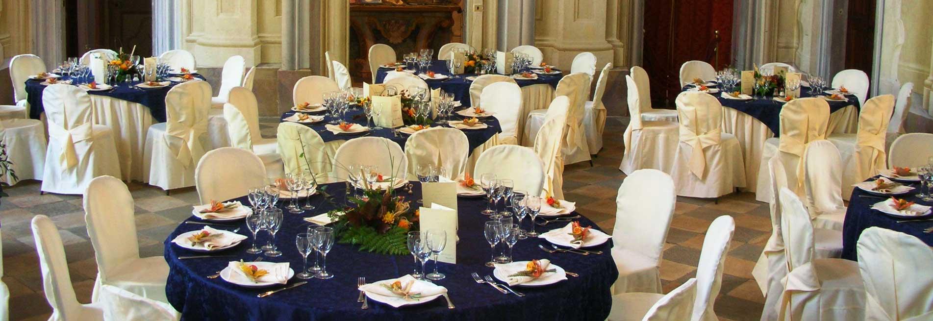 Allestimento sala per matrimonio al Castello Conti Canalis di Cumiana