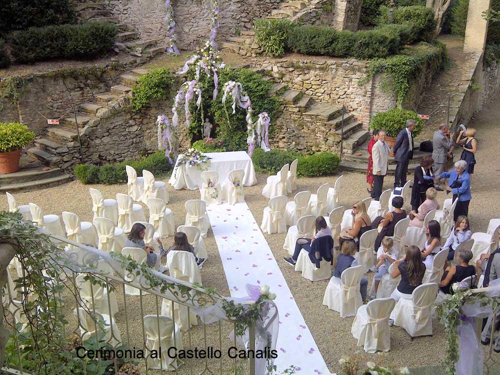dettaglio allestimento cerimonia esterna Bon Ton di Pietrini presso Castello Canalis di Cumiana- catering per matrimoni e catering per eventi aziendali Bon Ton di Pietrini, Torino