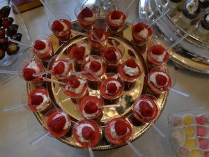 Buffet dolci al cucchiaio-catering BON TON Pietrini