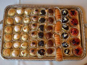 Pasticcini-catering BON TON Pietrini