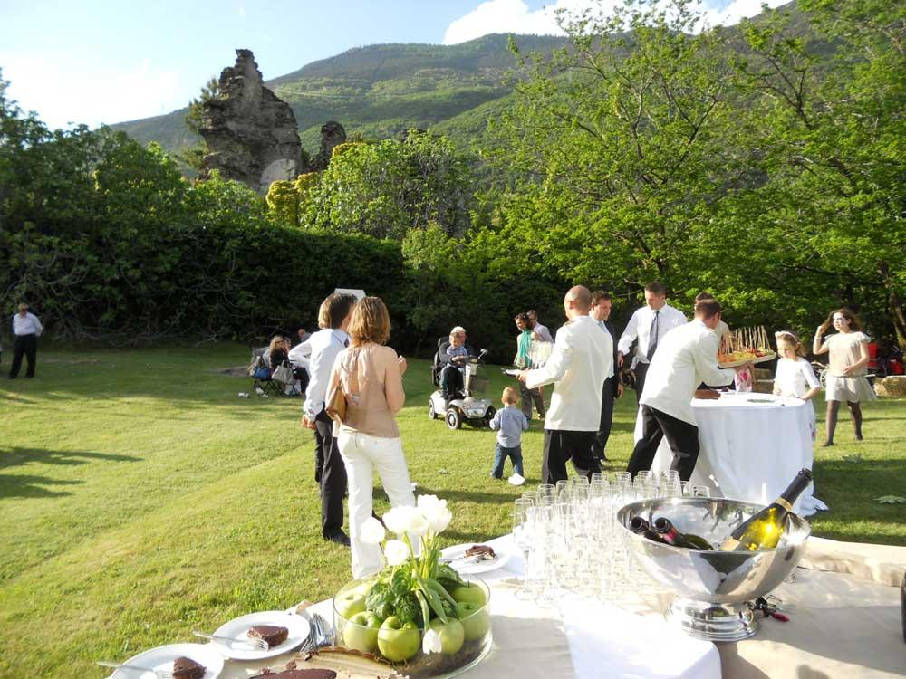 dettaglio allestimento parte esterna Bon Ton di Pietrini presso Il Forte La Brunetta- catering per matrimoni e catering per eventi aziendali Bon Ton di Pietrini, Torino