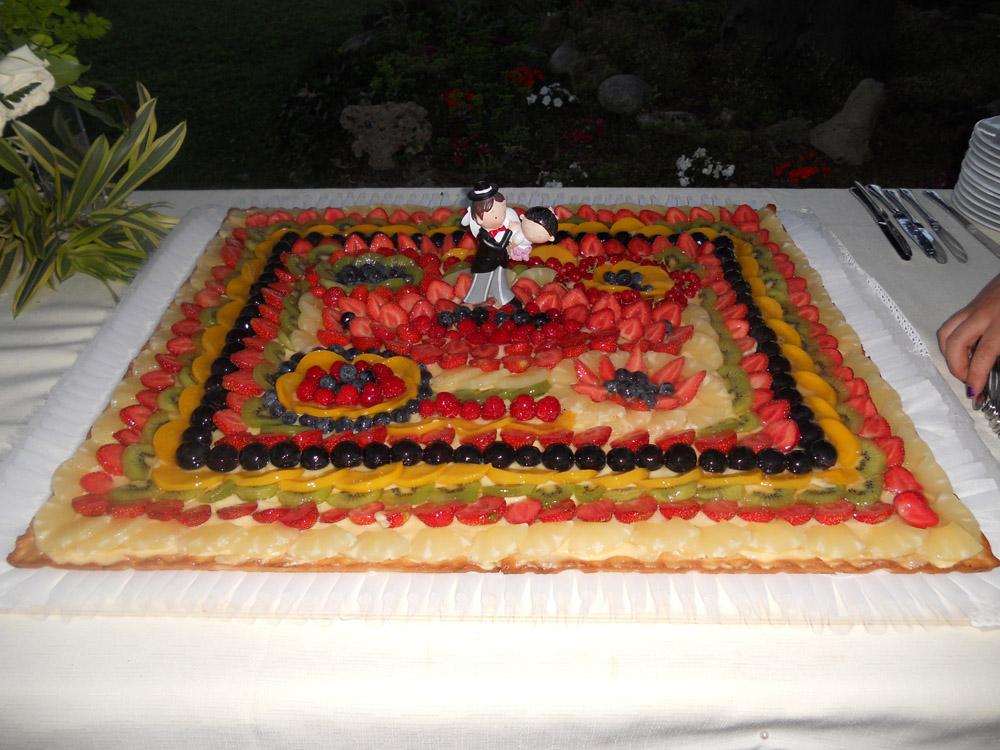 Torta nuziale frutta fresca Bon Ton Pietrini Catering