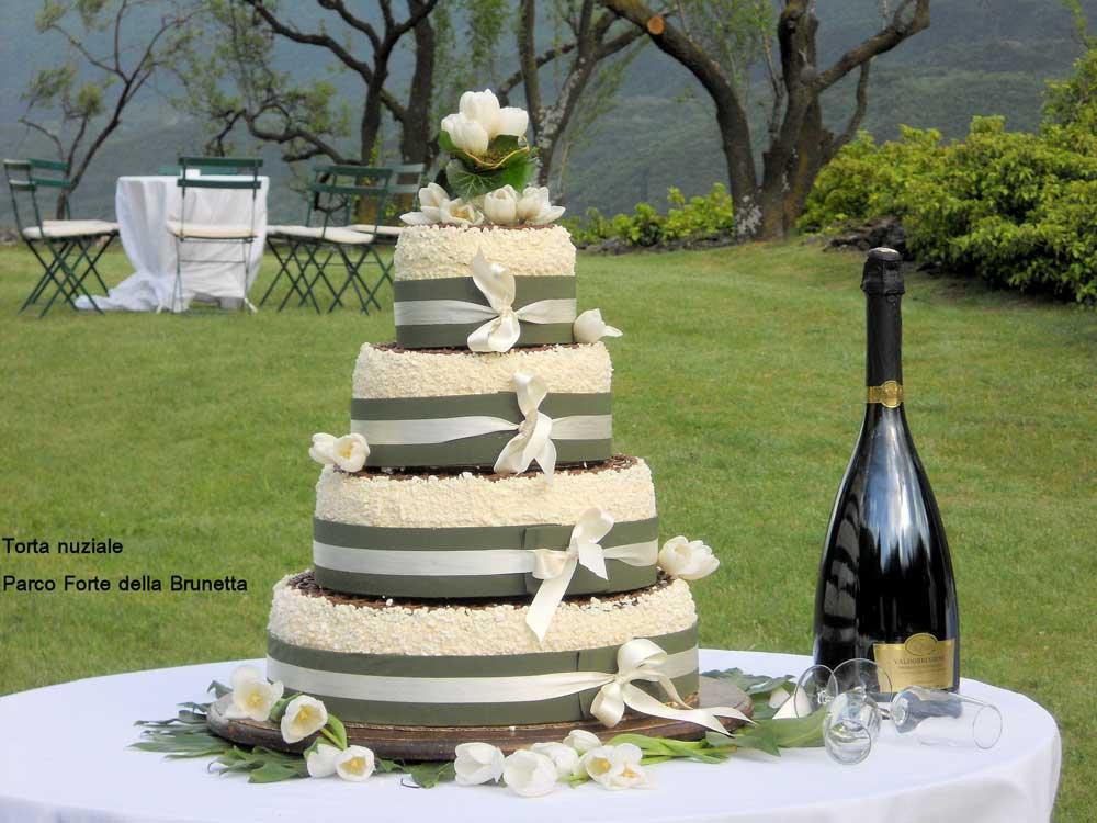 Forte-della-Brunetta - catering per ricevimenti di nozze, dettaglio torta nuziale  - servizio di catering di bon ton di pietrini