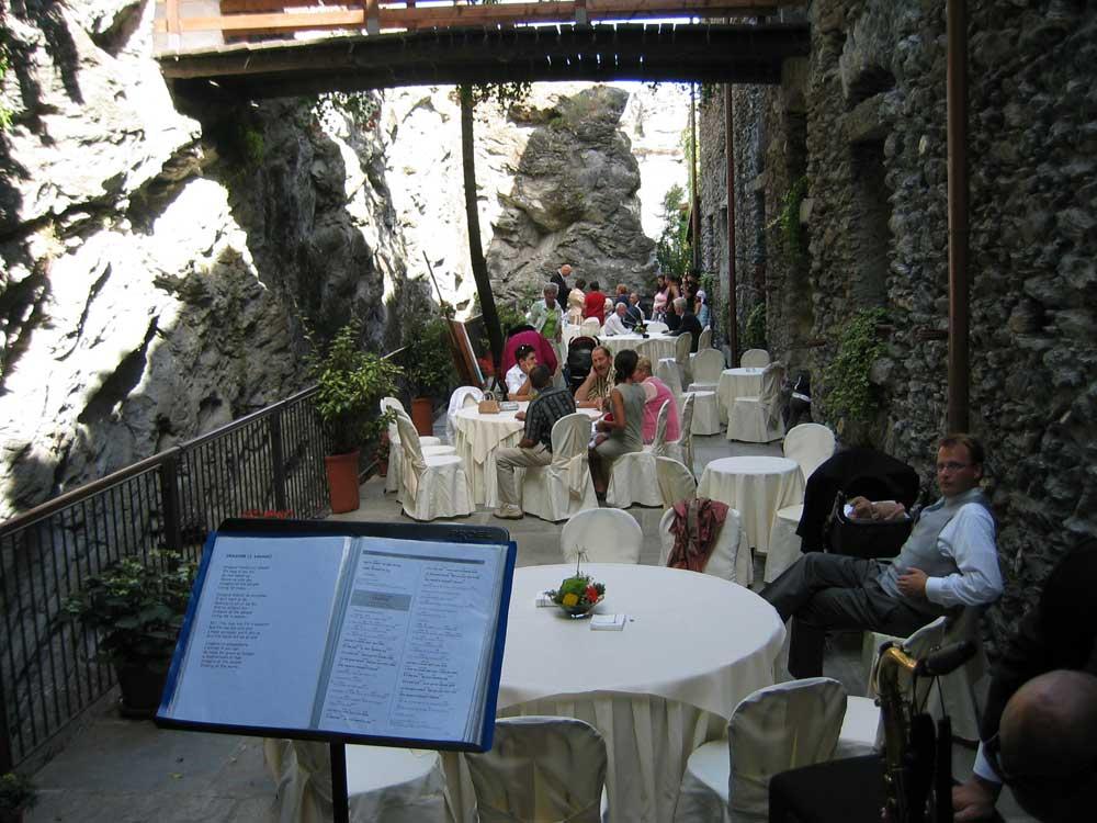 dettaglio allestimento esterno Bon Ton di Pietrini presso Il Forte La Brunetta- catering per matrimoni e catering per eventi aziendali Bon Ton di Pietrini, Torino