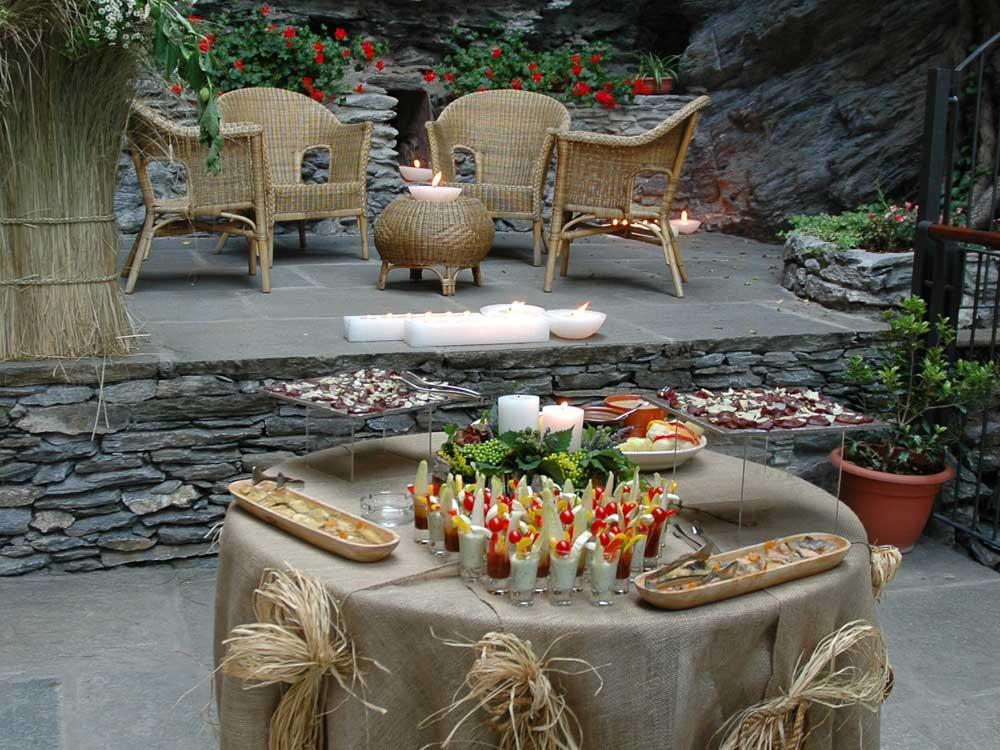 dettaglio buffet aperitivo esterno Bon Ton di Pietrini presso Il Forte La Brunetta- catering per matrimoni e catering per eventi aziendali Bon Ton di Pietrini, Torino