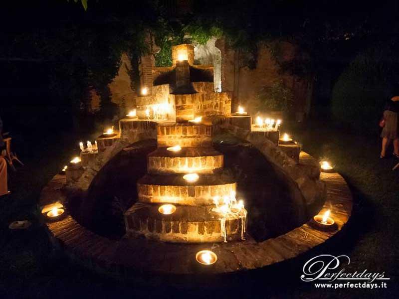 fontana-illuminata del Castello di San Sebastiano Po - Bon Ton di Pietrini presso Castello di San Sebastiano da Po - catering per matrimoni e catering per eventi aziendali Bon Ton di Pietrini, Torino