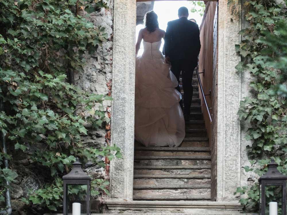 location per matrimoni catering Bon Ton - ingresso degli sposi, Villa Vigna Brunetta catering per matrimoni Bon Ton di Pietrini