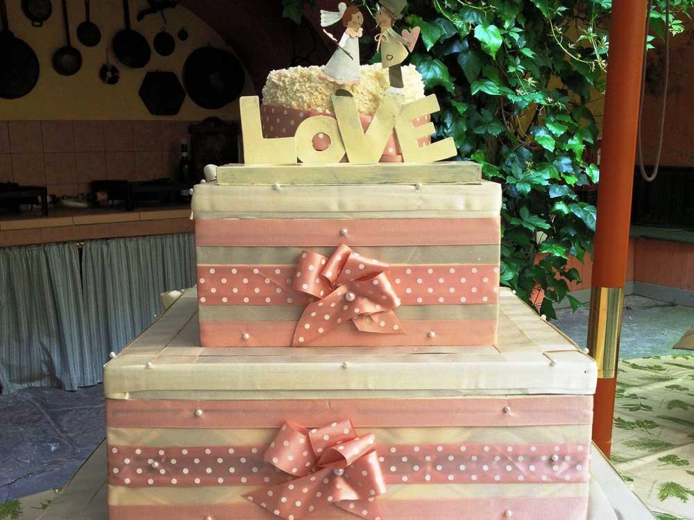 Torta nuziale a cappelliera Catering BON TON Pietrini
