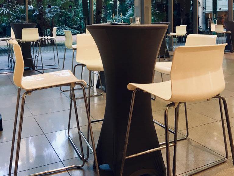 Arredo convegni - Tavoli e sedie alte