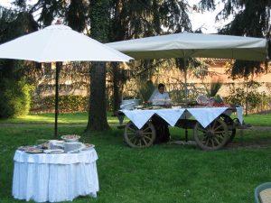 Buffet rustico in giardino Bon Ton di Pietrini