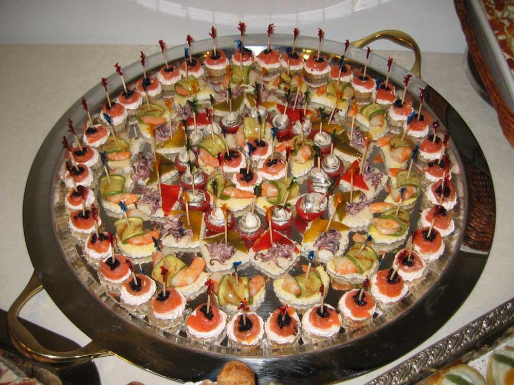 Presentazione finger a buffet-Catering Bon Ton di Pietrini