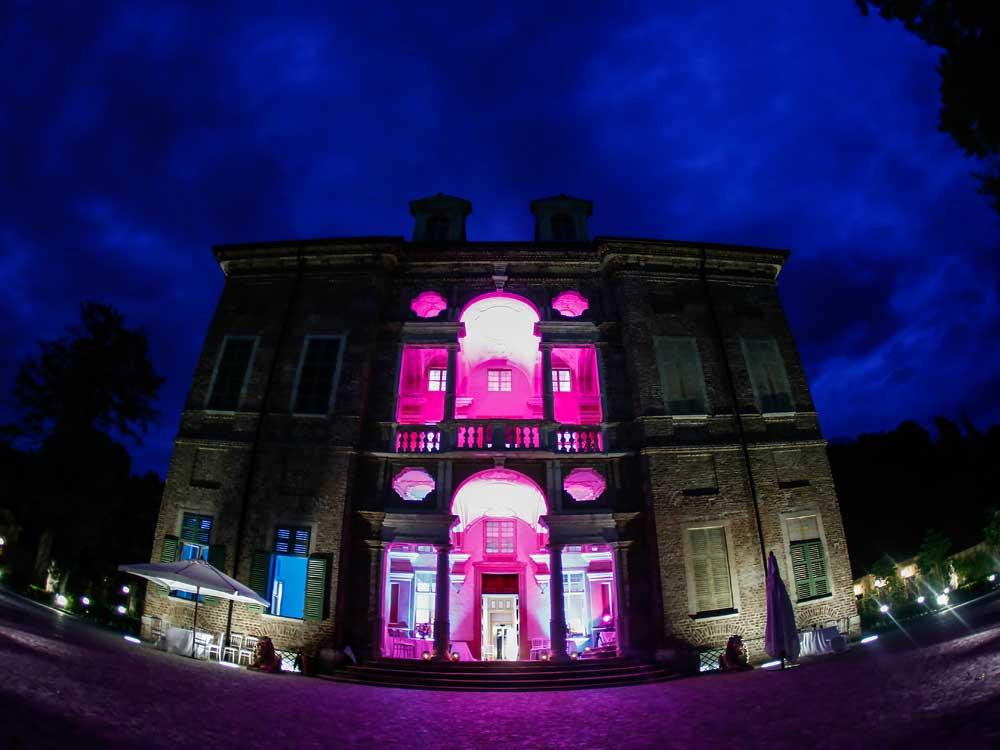 atmosfere notturne luci e colori a Villa Bria - Bon Ton di Pietrini presso Villa Bria - catering per matrimoni e catering per eventi aziendali Bon Ton di Pietrini, Torino