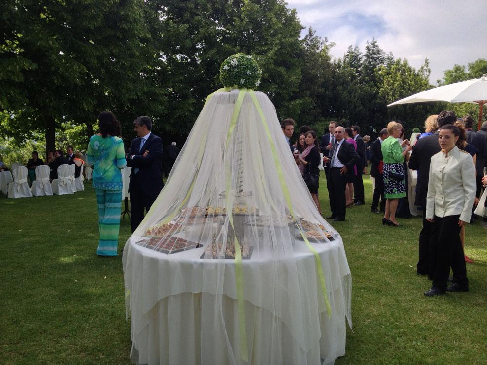 Buffet velato in giardino_Bon Ton di Pietrini_Villa Vigna Chinet
