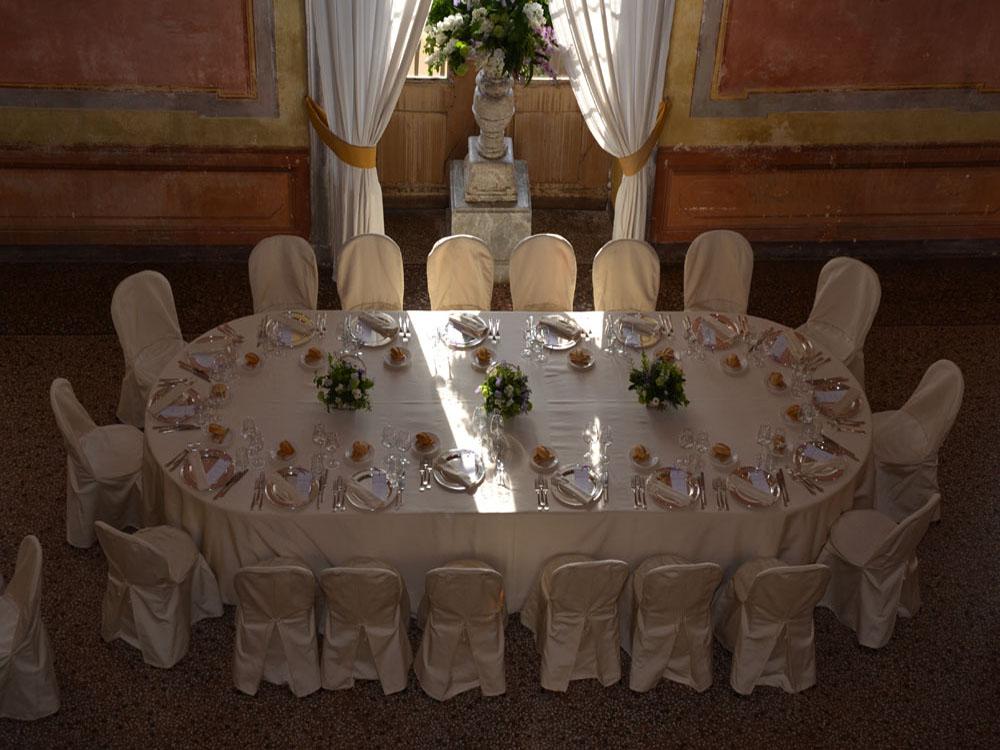 Castello San Giorgio_Tavolo imperiale-Catering BON TON-Pietrini