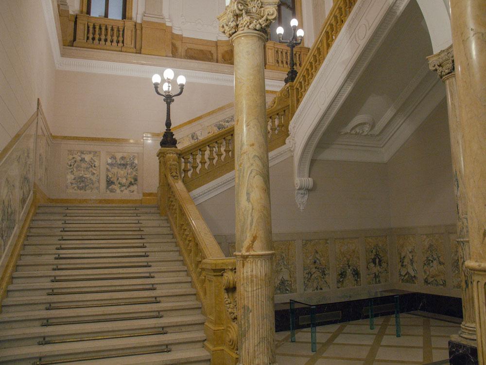 Palazzo della Luce-eventi-scalone-catering bon ton pietrini