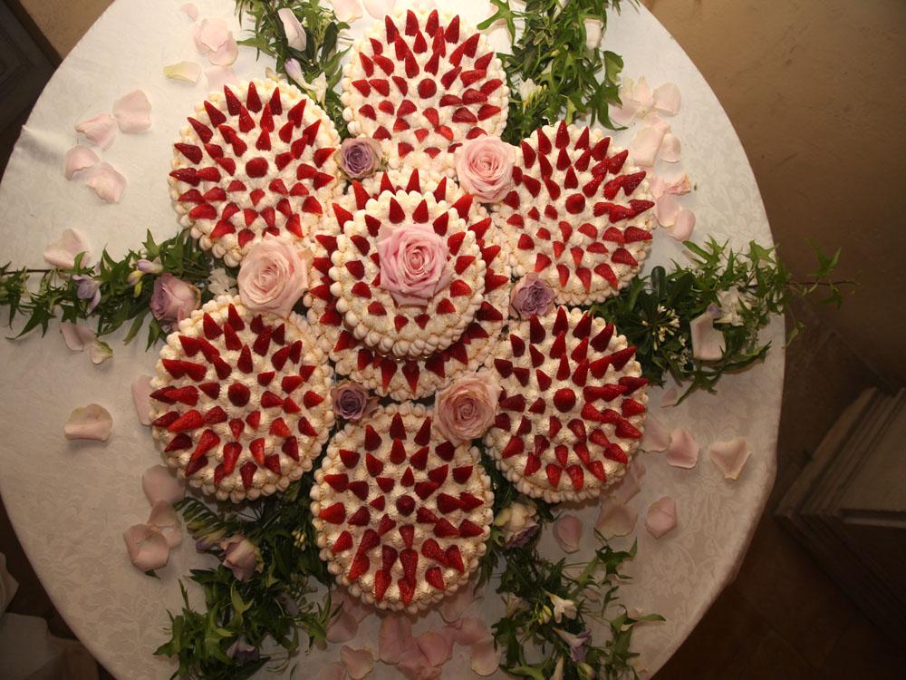 Torta fiore della sposa Catering BON TON di Pietrini - catering per ricevimenti di nozze, dettaglio torta nuziale  - servizio di catering di bon ton di pietrini