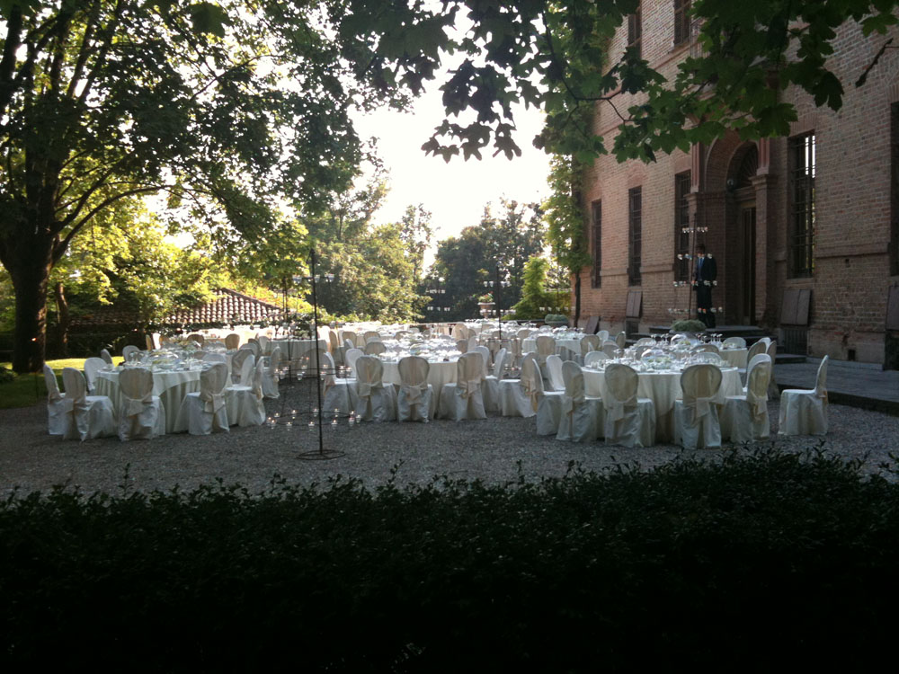 Villa Luigina pranzo nuziale in giardino, location per matrimoni, Catering per matrimoni Bon Ton di Pietrini