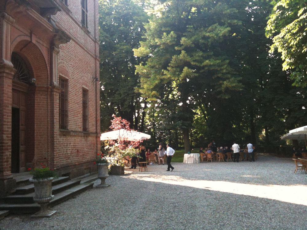 buffet in giardino Villa Luigina, location per matrimoni, Catering per matrimoni Bon Ton di Pietrini