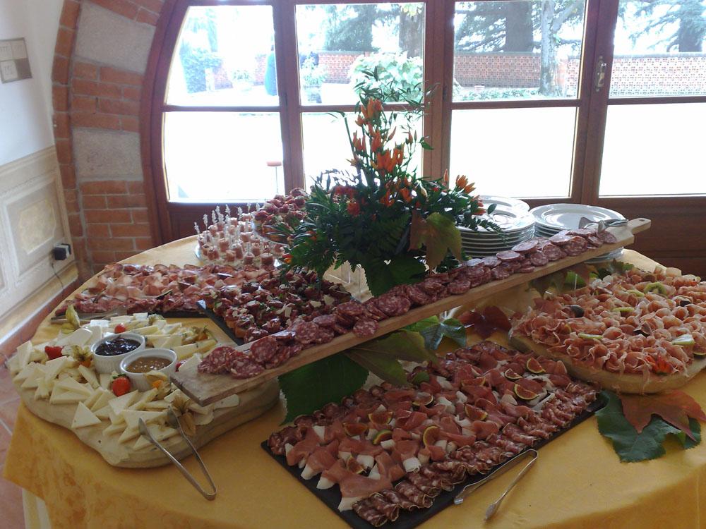 Buffet salumi e formaggi Catering Bon Ton di Pietrini