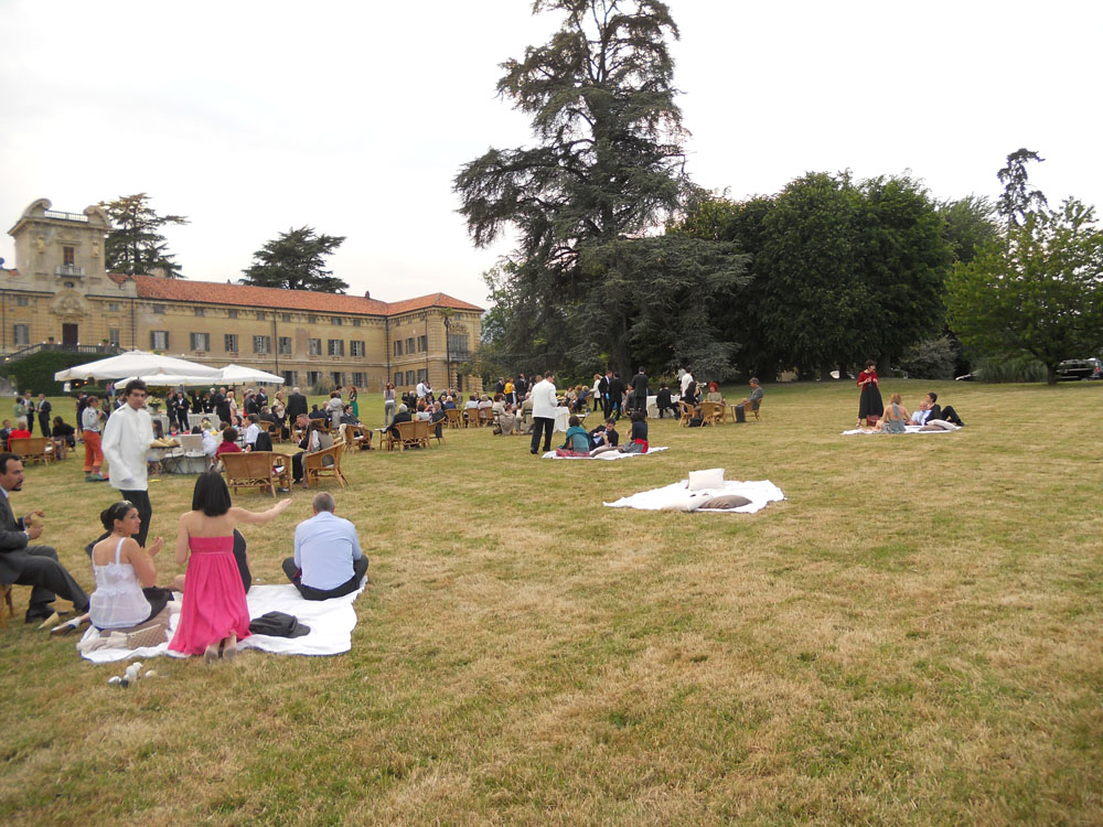 Castello Rivara-relax in giardino-Catering Bon Ton Pietrini