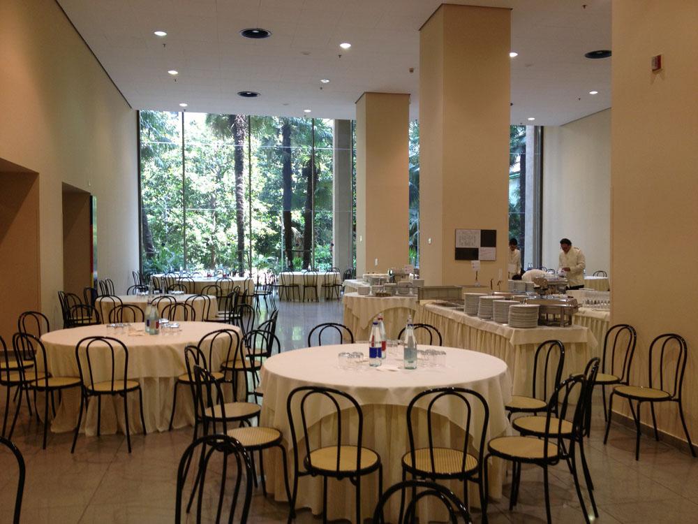 Bon Ton di Pietrini presso Lingotto Fiere Torino, sala  - servizio di catering Bon Ton di Pietrini per CM Editoria