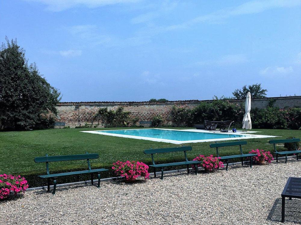 Tenuta Berroni piscina - location matrimoni Bon Ton Pietrini