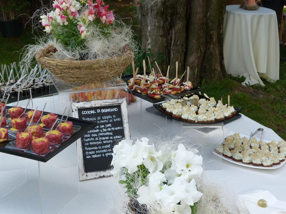 servizio di catering Bon Ton di Pietrini presso la Tenuta Tamburnin - ricevimento di matrimonio, cocktail di benvenuto, a cura di Bon Ton di Pietrini