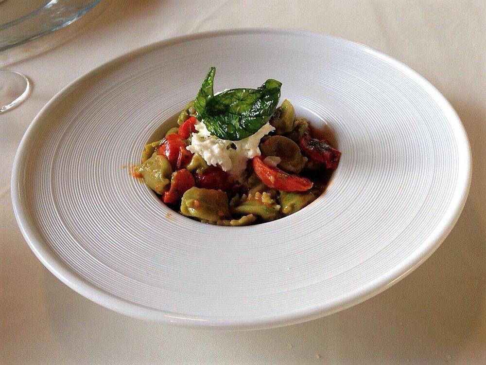 raviolini verdi del plin, tipicità torinese-catering-bon-ton-pietrini
