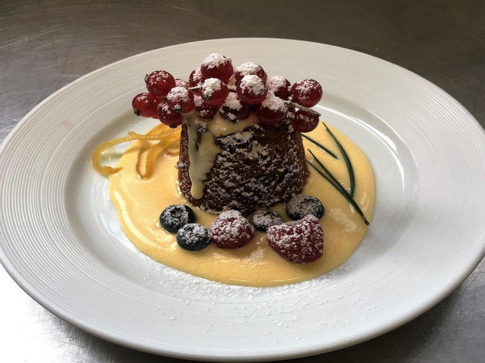 dessert-impiattato-catering-bon-ton-pietrini