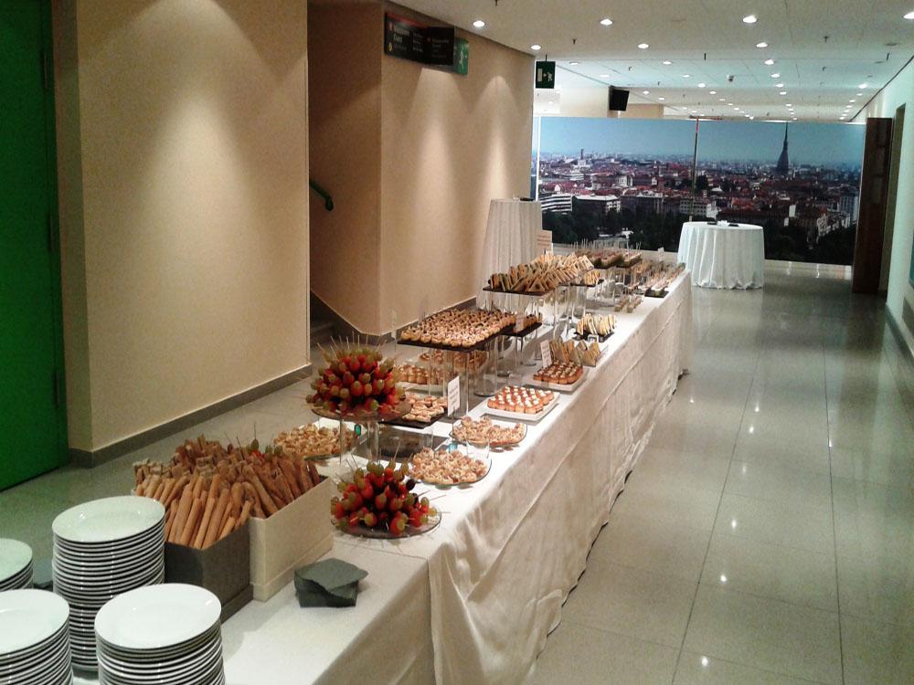 Bon Ton di Pietrini presso Lingotto Fiere Torino, buffet salato finger food - servizio di catering Bon Ton di Pietrini per MiTo 2015