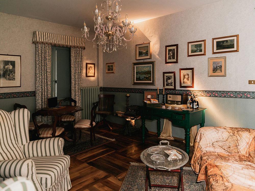 salotto villa franchetti piemonte