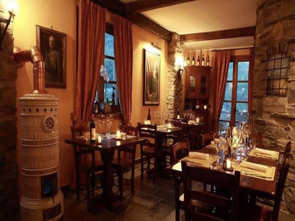 interni ristorante - osteria degli archibugi - exilles